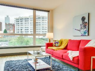 Bring the dog along to this modern condo w/ gorgeous city views in Belltown!, Seattle