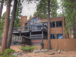 Beautiful Mountain Retreat with Hot Tub ~ RA812, Incline Village