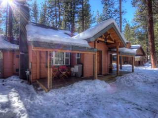 Gorgeous Cabin an Excellent Deal for Groups up to 8 ~ RA702, South Lake Tahoe