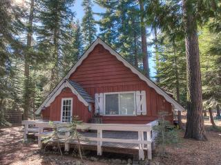 Authentic Mountain Atmosphere in Tahoma Cabin ~ RA917