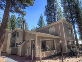 Great Forest Pines 3 Bedrooms Condo ~ RA738, Incline Village