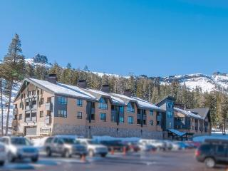 Snow Crest #104 - handsome two bedroom, Kirkwood
