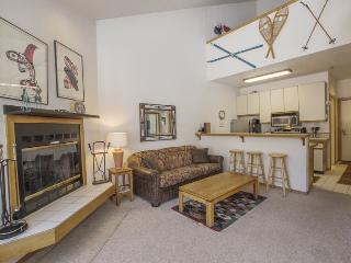 Alaskan Style Two Bedroom Loft, Sun Meadows Four #312, Kirkwood