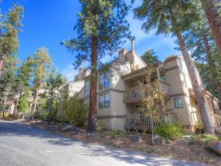 Townhouse in Center of Tahoe's North Shore