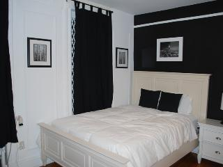 Prime 2 Bed UES home 15min walk to Central Park, Apple Store, 5th Ave, etc