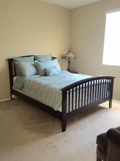 3rd floor master bedroom with queen size bed
