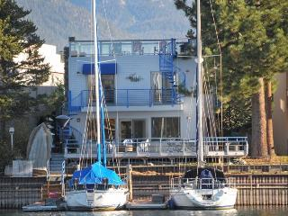 Water front home in Tahoe Keys - close to lake and beaches!, South Lake Tahoe