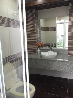 Baht room