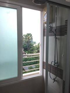 Shower in Baht room