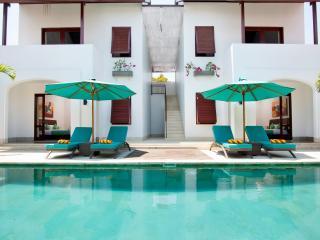 Villa Amalia Legian 4 BR Luxury 10 Min To Beach