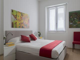Cozy apartment by Via Montenapoleone (CAV)