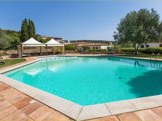 COTTAGE TRIFOGLIO LUX 3BR-pool terrace by KlabHouse