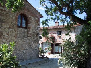 Antico fienile in affitto nella campagna Toscana