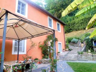 Cottage with pool, close Lucca, great views. WIFI!, Ponte a Moriano