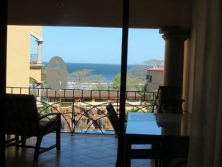At the Beach. 3 BR / 2 BA Vacation Condo, fully furnished, sleeps 6-8, Tamarindo