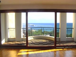 Queen`s View Apartments, Balchik