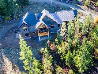 Dragontail View at Trailside | Slps 14 | WiFi | Hot Tub, Cle Elum