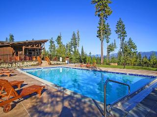 Dragontail View at Trailside! | Hot Tub | Summer Pool Access | Mountain Views