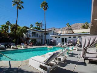 The Wesley Palm Springs Micro Resort Flat 8
