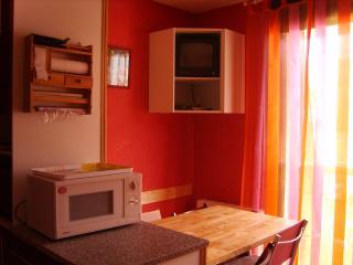 Studio cabine aux pieds des télécabines, thalasso, Bagneres-de-Luchon