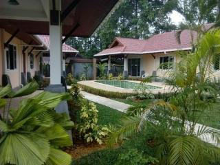 Holiday Villa-Cottage 100 m from the Andaman Sea, Ko Lanta