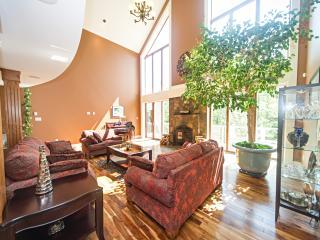 Worthington Place Luxury BNB (Price Per Room), Halifax
