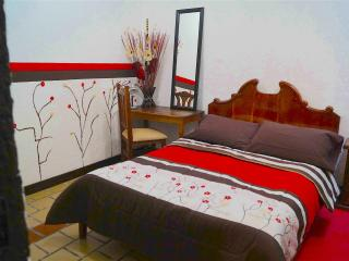 Cozy Bedroom In Downtown, San Cristobal de las Casas