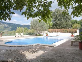 Casa rústica con piscina para 8 personas con Wifi, Campanet