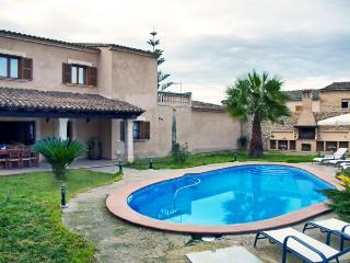 Casa rural  con piscina, BBQ, jardín para 10 pax, Petra