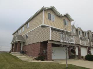 NEW LISTING 11/12/15! Somerby Townhome in Byron, Rochester