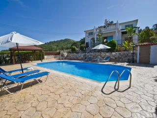 Argaka - 3 Bed Villa - Pool - Amazing Sea Views