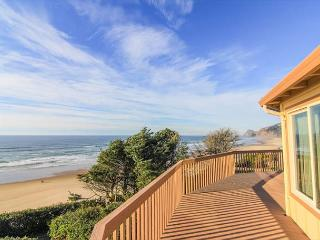 Roads End Oceanfront Home w/Hot Tub