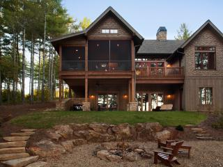 "Camp Lake James ""Bluegill"" Lakefront Lodge w/ dock"
