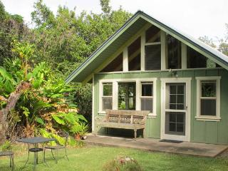 Hawaiian Tropical Hideaway Cottage