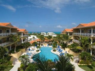 2 BD / 1 BA, beautiful pool, great location, Providenciales