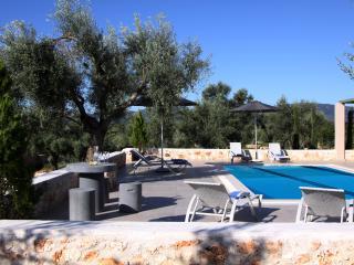 Villas Armeno - Evangelia, Luxury villa with see view