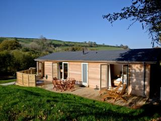 4 Hedgerow, Stonerush Lakes located in Lanreath, Cornwall