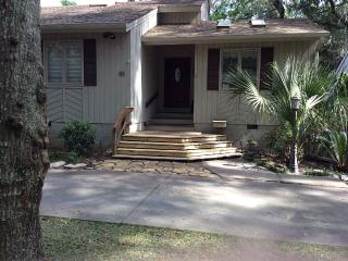 Private End of Street - Home in Lawton Woods, Hilton Head