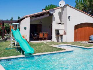 Residence le Chateau, villa for 6 with pool, Cazilhac