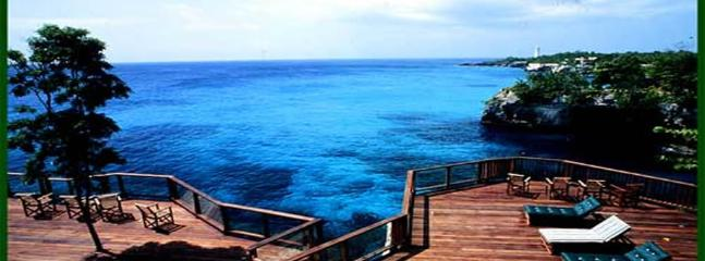 Villa Sur Mer -Waterfront Negril 6BR