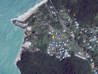 Situation de la Résidence à 300 m à pied de la plage de Fort Royal à Deshaies.