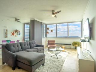 Contemporary Waterfront One Bedroom, Biloxi