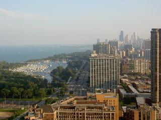 Furnished condo. Beautiful lake & skyline views, Chicago