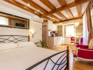 AURELIA PALACE 4*-OLD TOWN, Split