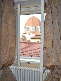 Sight on the Medici Chapels from the hall