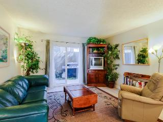 Walk to the beach & downtown - sleeps 6!, San Clemente