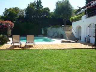 Villa Near Cannes with a Private Pool - Villa Cannes
