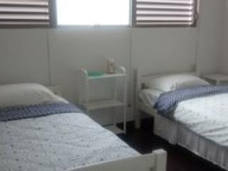 PRIVATE ROOM #1 AT ZEN RETREAT CTY CTR NEAR TRAIN