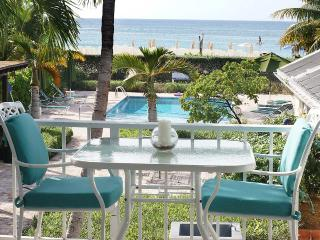 Beach front, right on SMB, Island Pine Villas, Seven Mile Beach