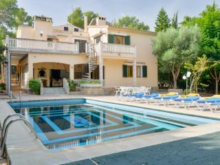 Increíble villa en Cala Blava con piscina